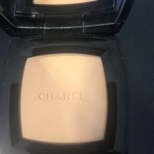 Never been used Chanel Natural Finish Press Powder
